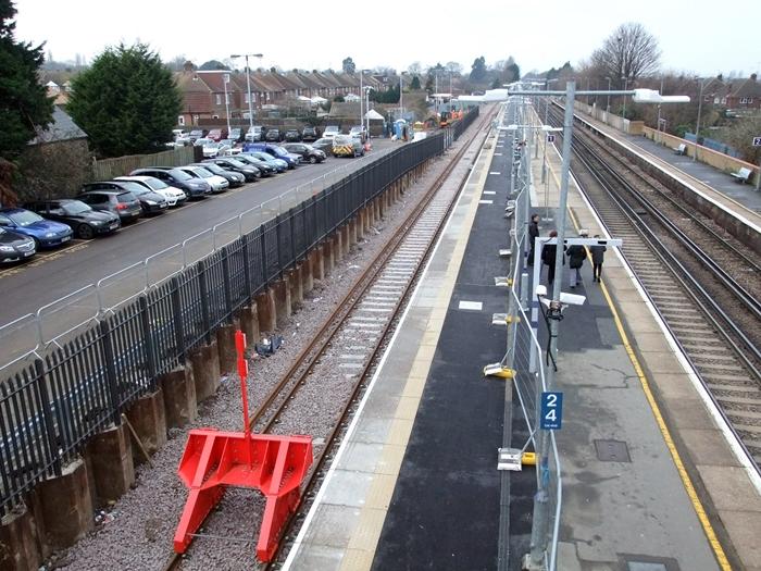 Rainham_Bay_Platform_1